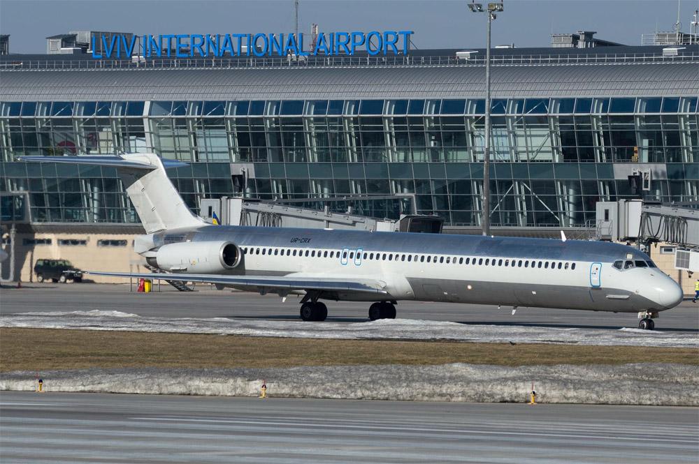 """MD-82 авиакомпании """"Буковина"""""""