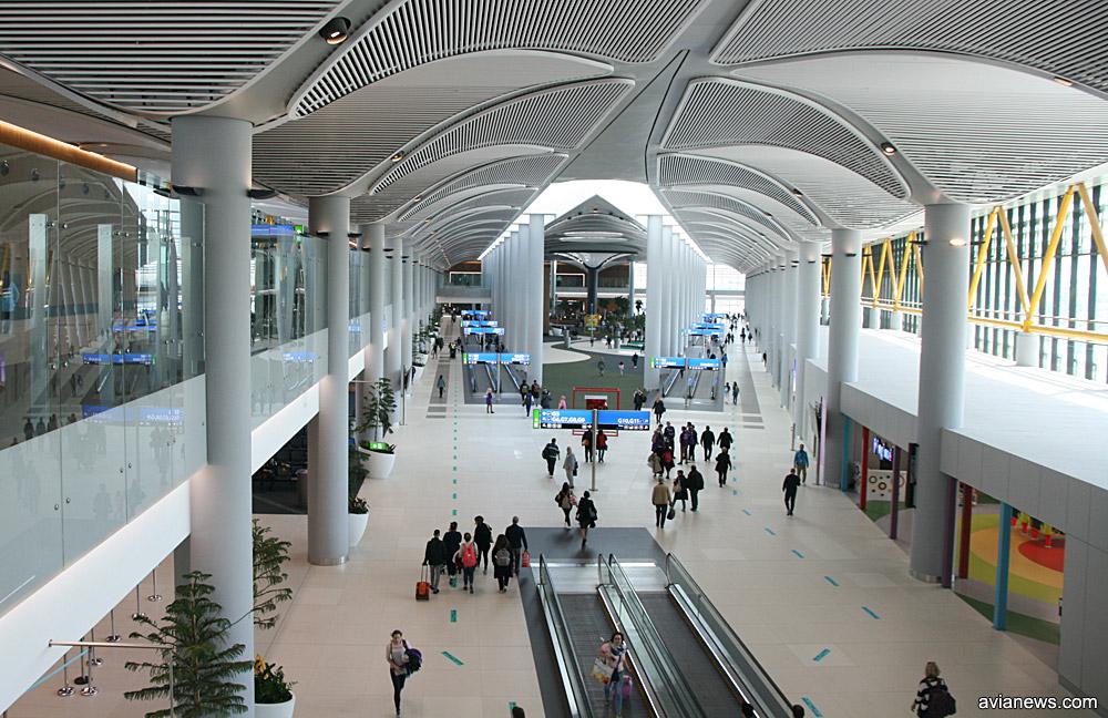 Один из пирсов галереи вылета в новом аэропорту Стамбула