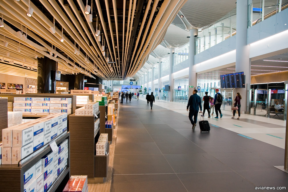 Галерея вылета в новом аэропорту Стамбула