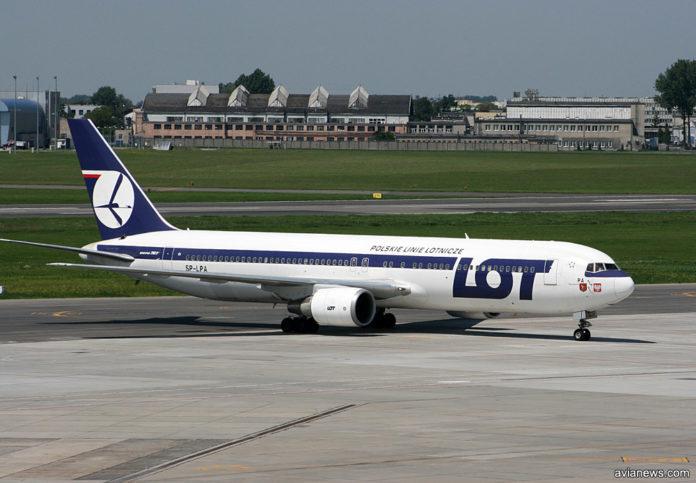 Boeing 767-300ER SP-LPA LOT