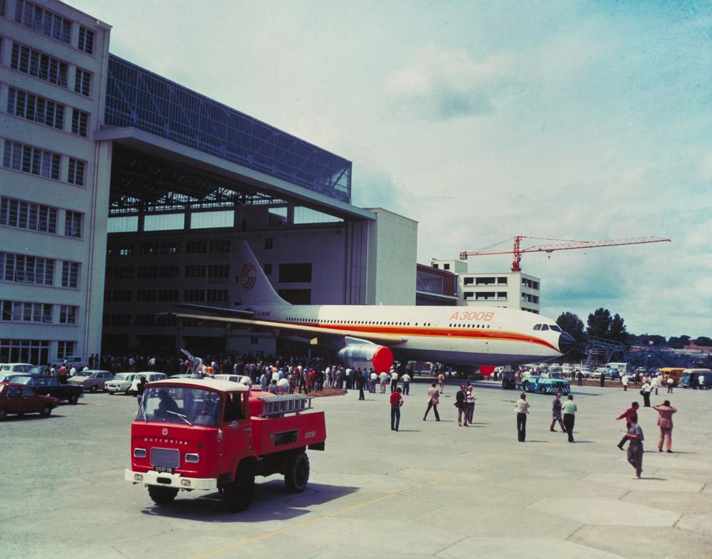 Выкатка Airbus A300B