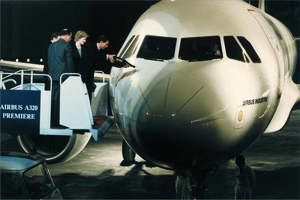 Церемония показа первого самолета Airbus A320, на которой присутствовала принцесса Диана