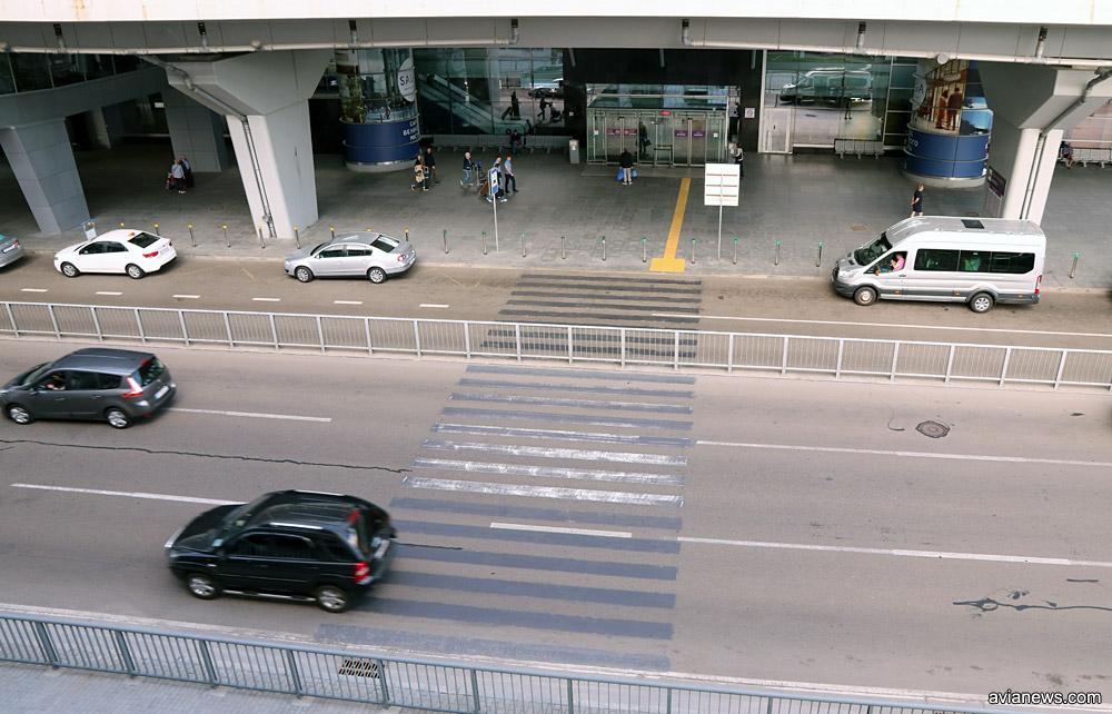 Забор в зоне прилета напротив терминала D, аэропорт Борисполь