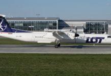 Самолет Bombardier Q400 LOT
