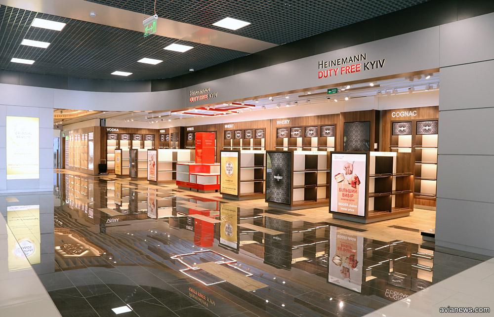 Зона торговли Duty Free в новом крыле терминала А в аэропорту Жуляны