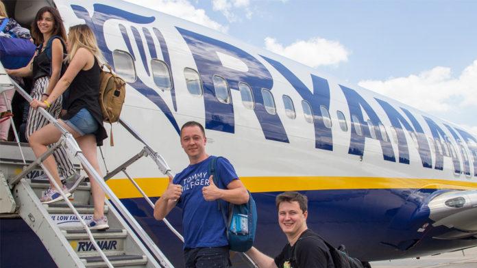 Первые пассажиры рейса Харьков-Краков