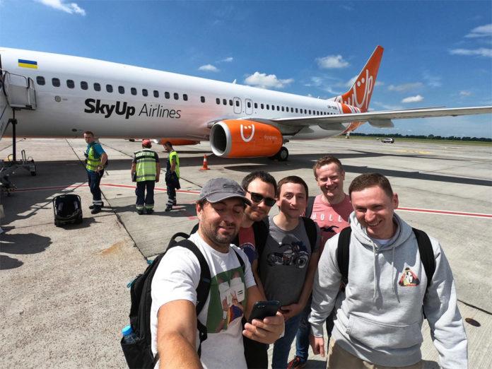 Пассажиры одного из первых рейсов SkyUp Киев-Одесса
