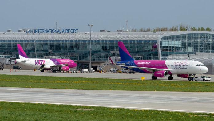 Самолеты Wizz Air в аэропорту Львов