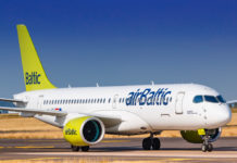 Самолет Airbus A220-300 airBaltic