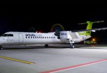Bombardier Q400 airBaltic в аэропорту Львов