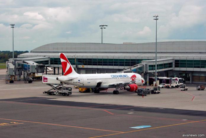 Самолет Airbus A320 Czech Airlines в аэропорту Прага