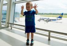 Миллионный пассажир аэропорта Львов в 2019 году Максим Захарий