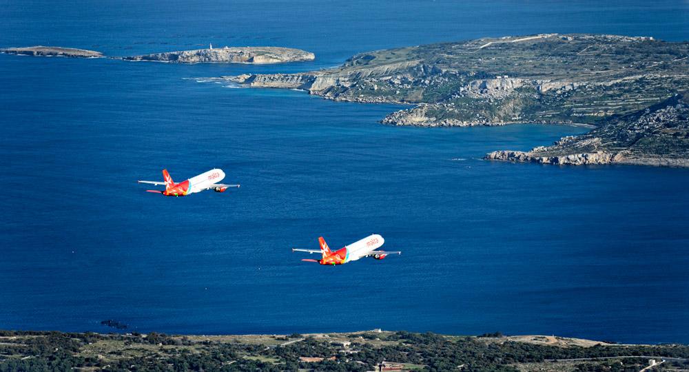 Самолеты Air Malta совершают полет над мальтийскими островами