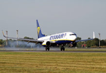 Посадка Boeing 737-800 Ryanair