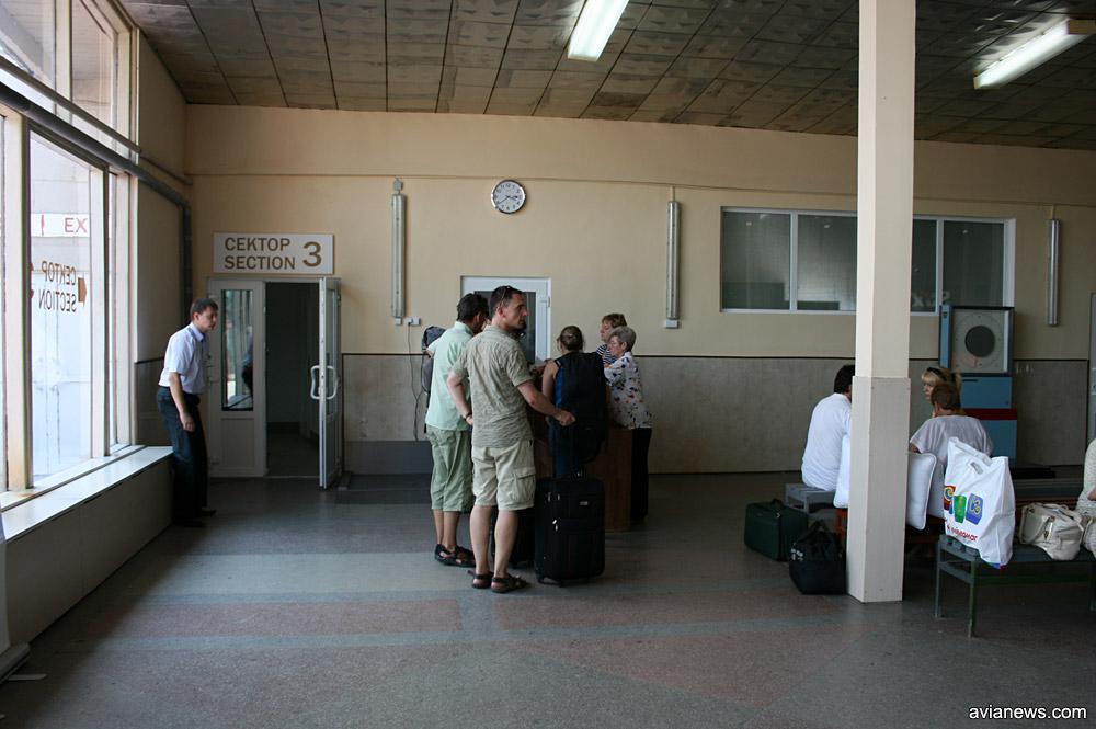 Старый сектор вылета в аэропорту Львов, 2009 год.