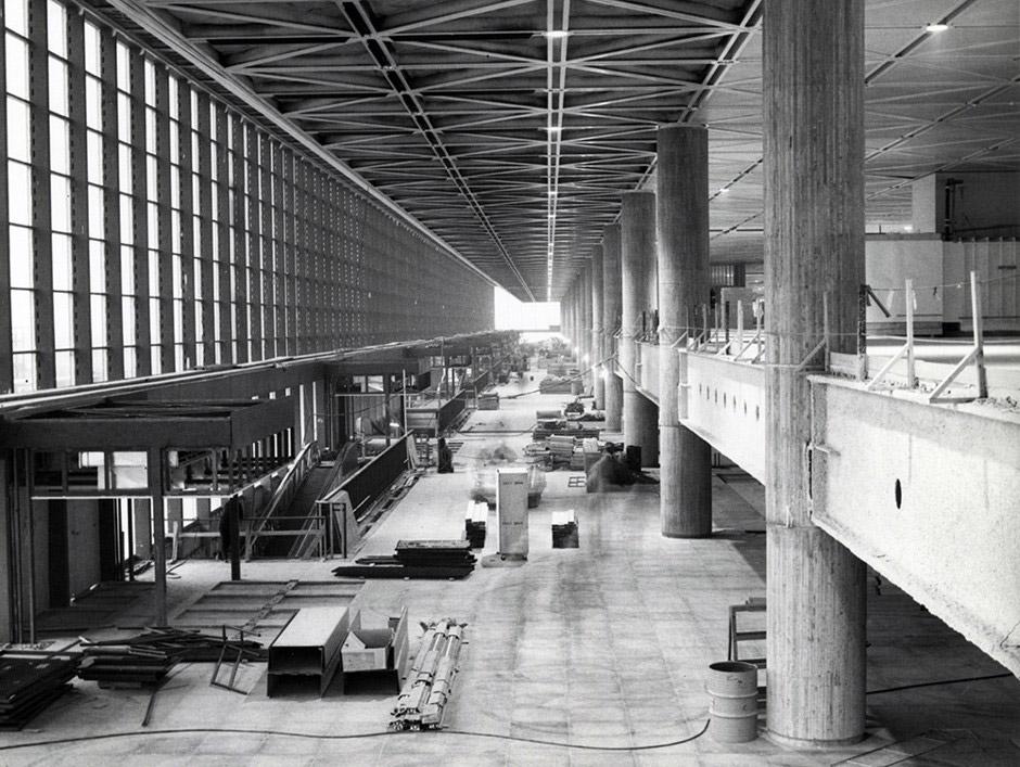 Строительство пассажирского терминала в аэропорту Мирабель, 1970-е годы