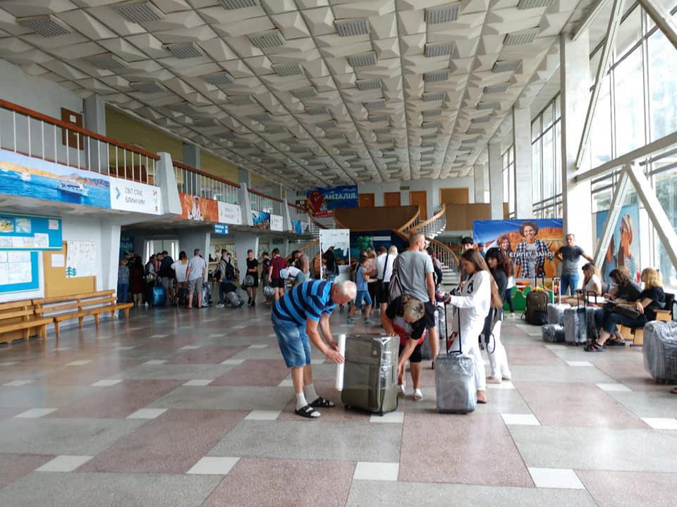 Терминал советской эпохи в аэропорту Ровно