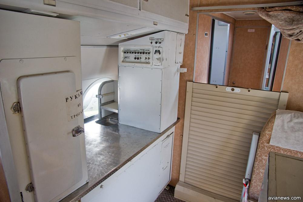 Хвостовая кухня в президентском Ту-134
