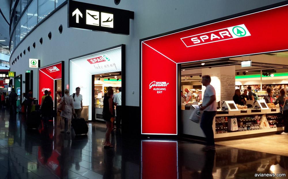 Супермаркет Spar и McDonald's в терминале 3 аэропорта Вены Швехат