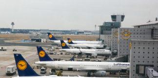 Самолеты Lufthansa в аэропорту Франкфурта