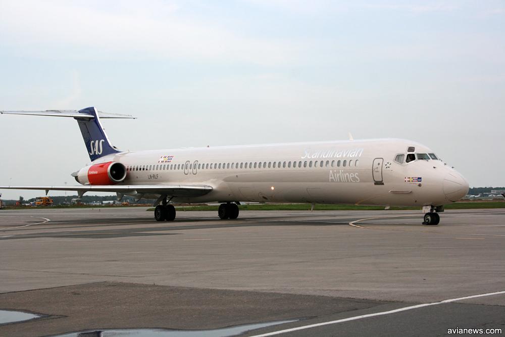 MD-82 SAS в ливрее 1998 года