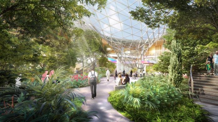 Тропический сад в новой части терминала в аэропорту Хамад в Дохе