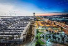 Вид с высоты на аэропорт Лос-Анджелеса