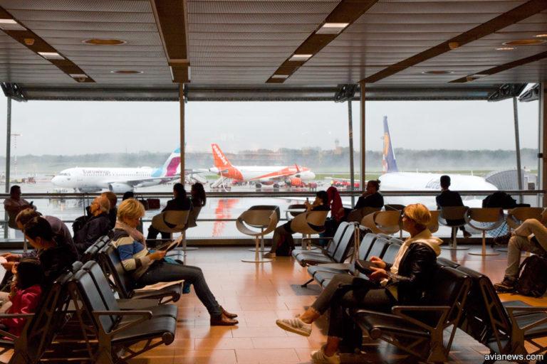 Почему пассажиры выбирают авиарейсы с пересадками