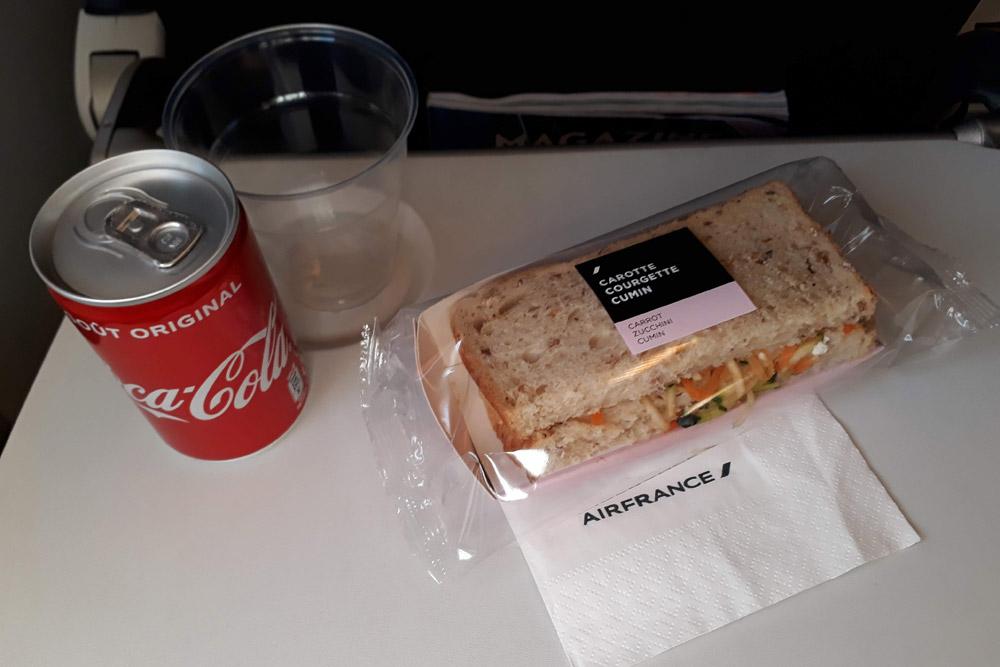 Питание Air France в эконом-классе на коротких международных рейсах