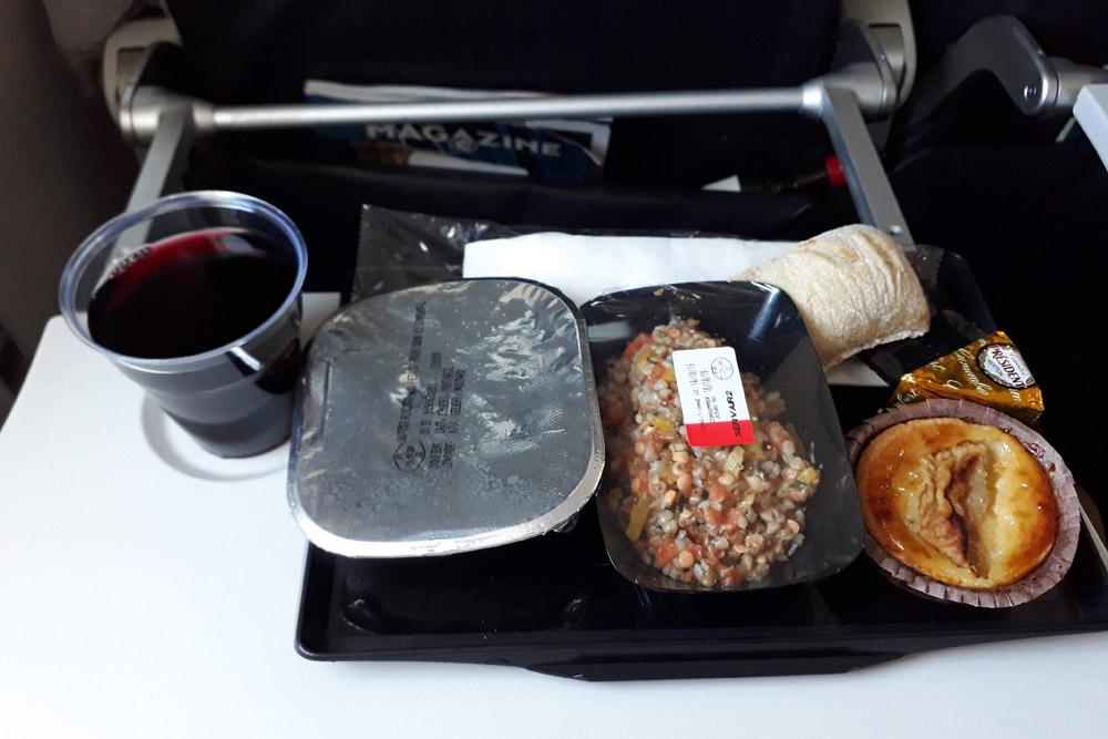 Питание Air France в эконом-классе на рейсе Париж-Киев