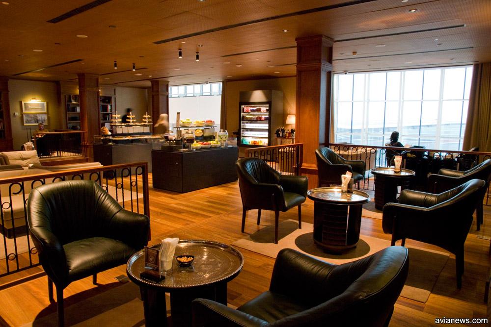 Зона отдыха с приглушенным светом с бизнес-зале Turkish Airlines в новом аэропорту Стамбула