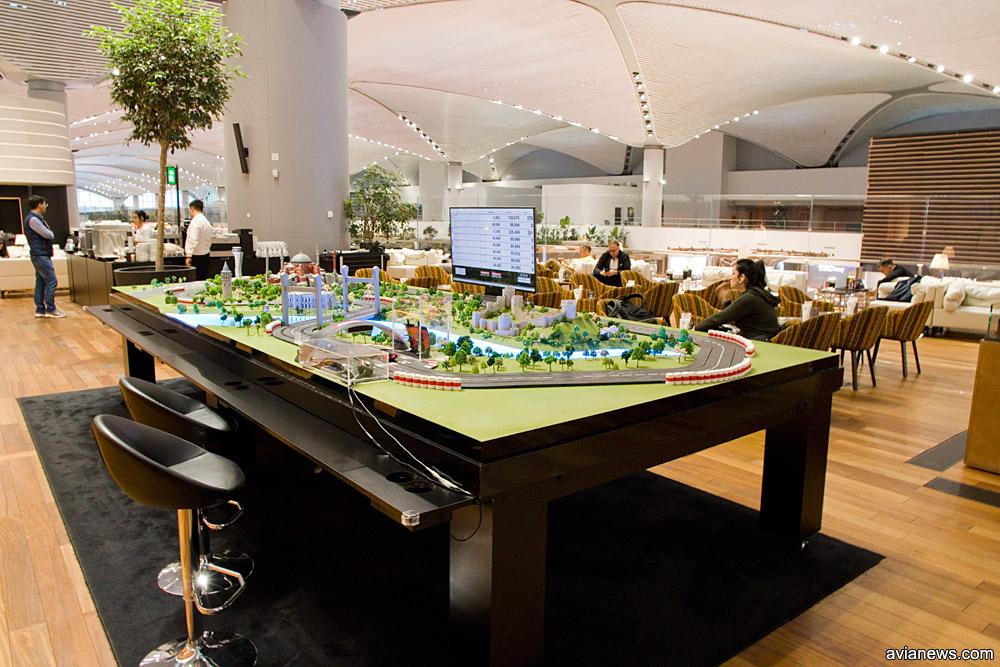 Игровая зона в бизнес-зале Turkish Airlines в новом аэропорту Стамбула