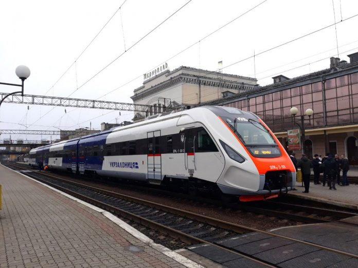 Дизельный поезд ДПКр-3