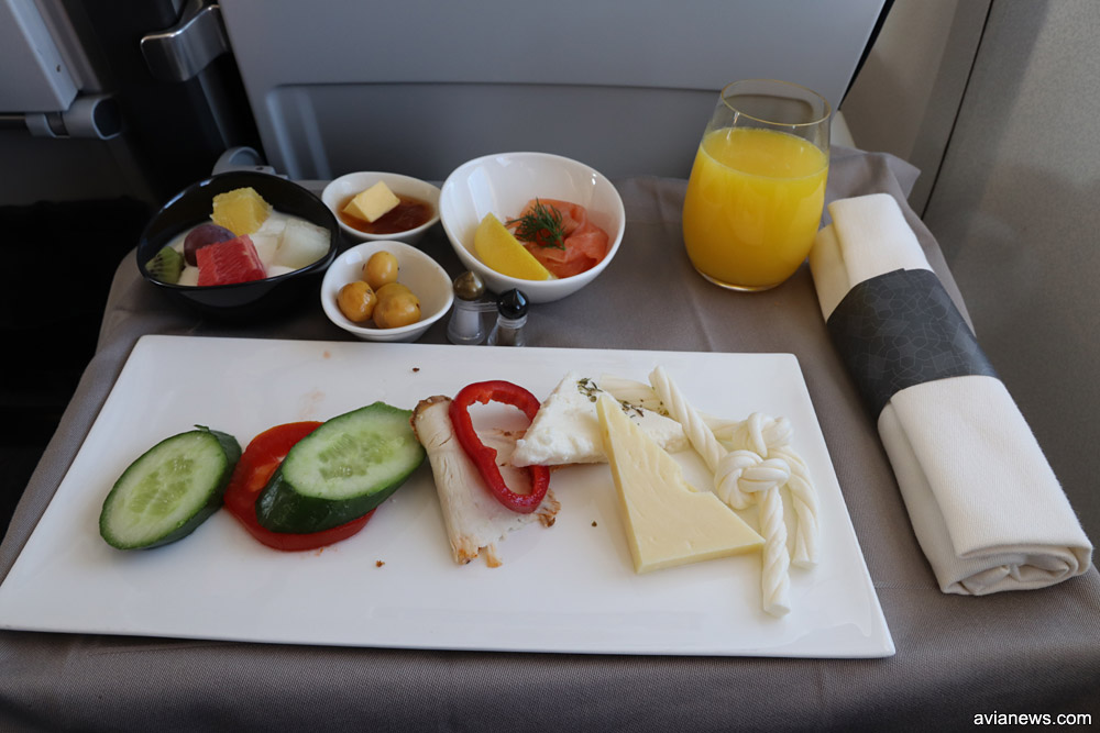 Питание в бизнес-классе Turkish Airlines на рейсах между городами Украины и Стамбулом. Закуска