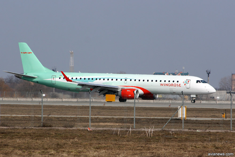 "Embraer 195 ""Роза Ветров"" в 2009 году."