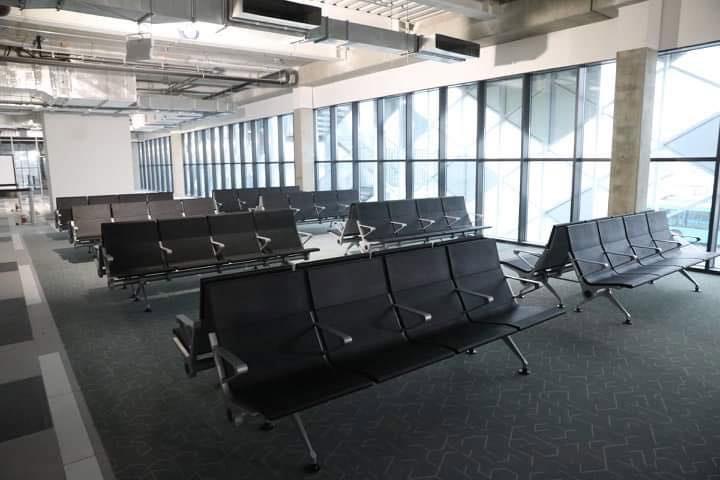 Зал ожидания вылета в новом терминале аэропорта Запорожье