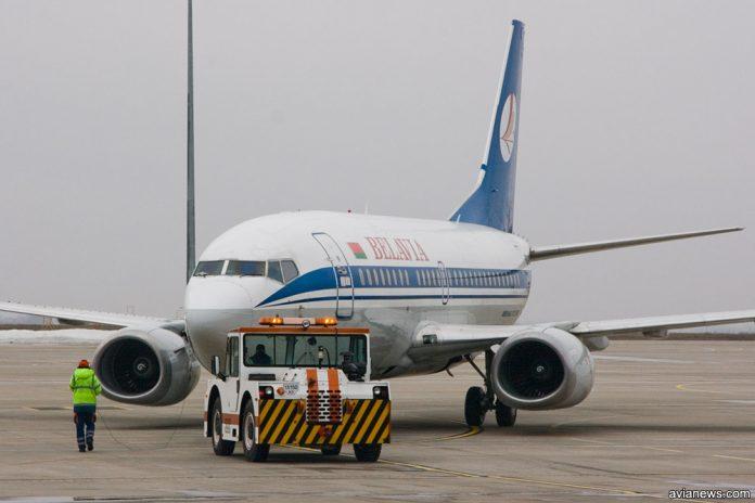 Буксировка Boeing 737
