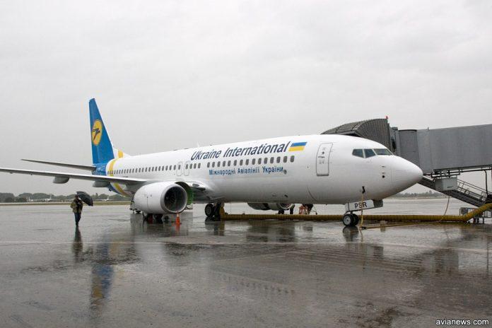 Boeing 737-800 МАУ UR-PSR в аэропорту Борисполь