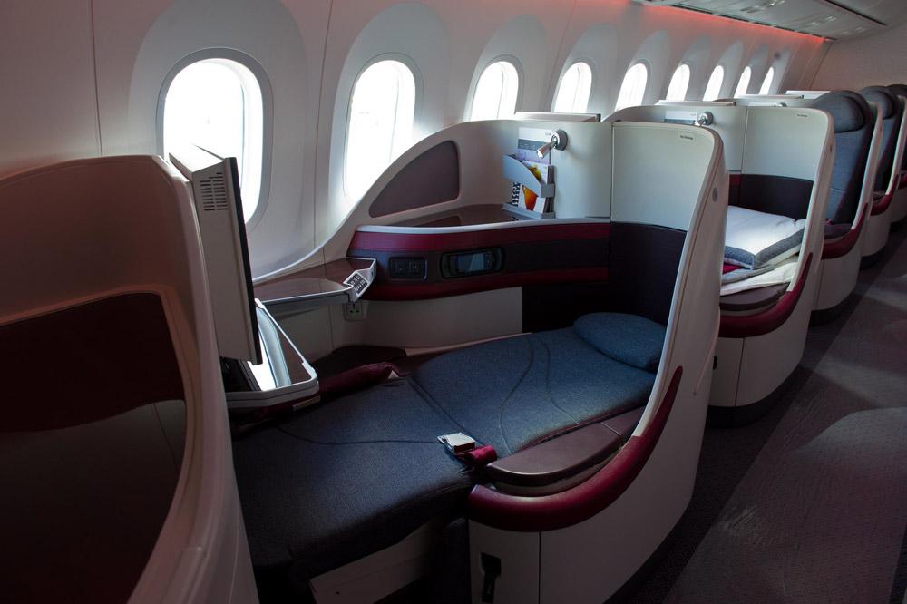 Кресло бизнес-класса на борту Boeing 787-8 Qatar Airways