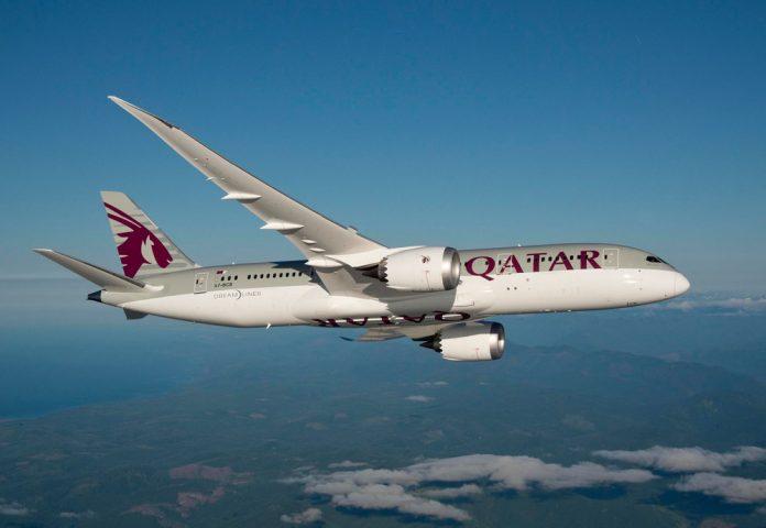 Boeing 787-8 Qatar Airways в полете