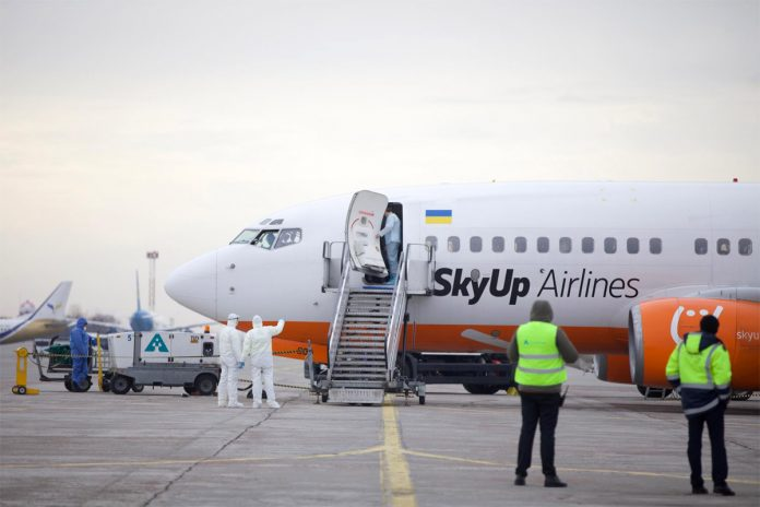 Boeing 737-700 UR-SQD SkyUp, выполнивший рейс из Уханя в Харьков