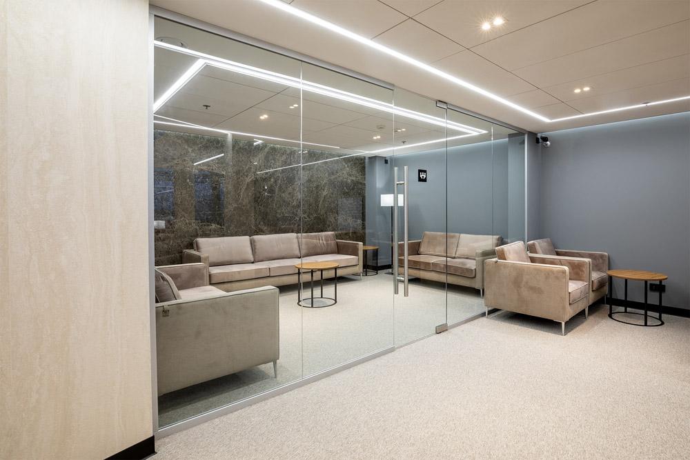 Переговорная комната в бизнес-зале Atmosfera Fly в аэропорту Борисполь, терминал D