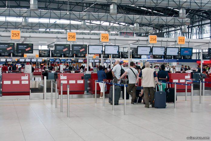 Стойки регистрации в терминале 2 аэропорта Прага
