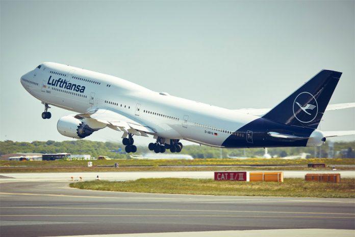 Взлет Boeing 747 Lufthansa