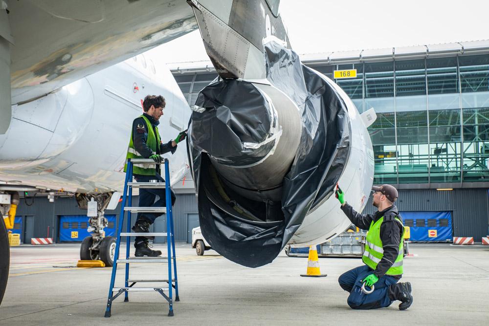 Подготовка двигателя самолета к длительному хранению
