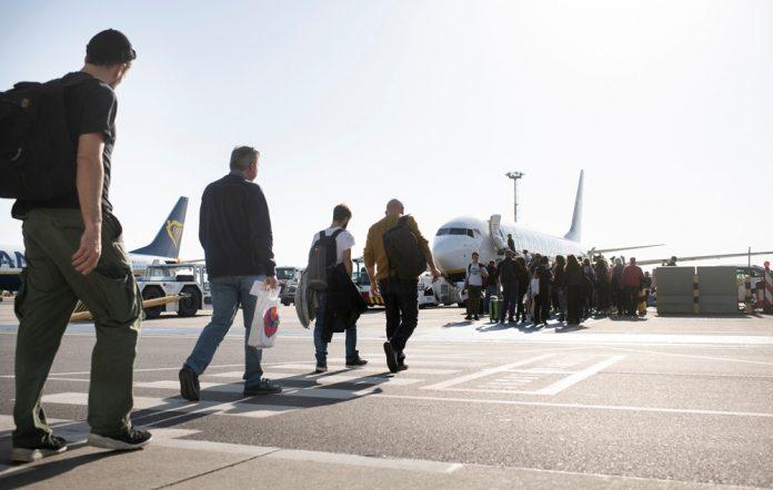 Пешая посадка в самолет Ryanair