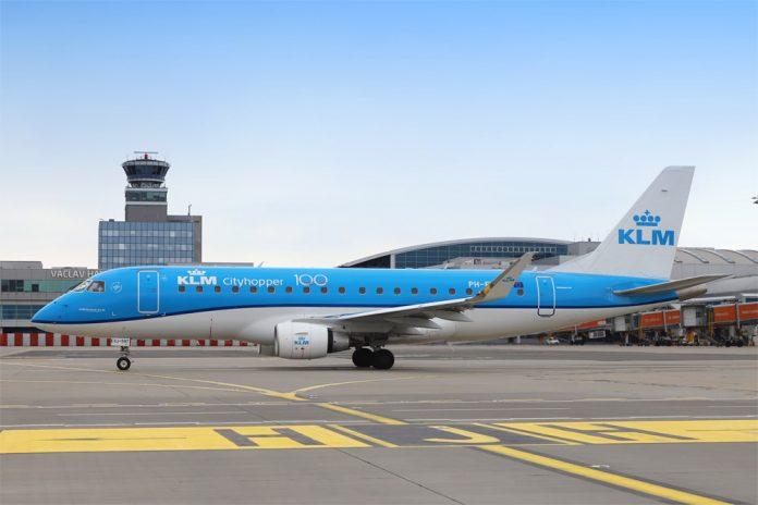 Embraer 175 KLM в аэропорту Прага