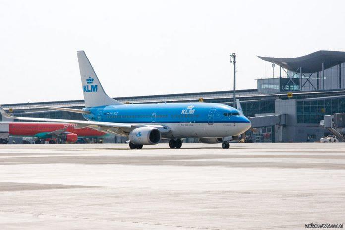 Boeing 737 KLM в аэропорту Борисполь