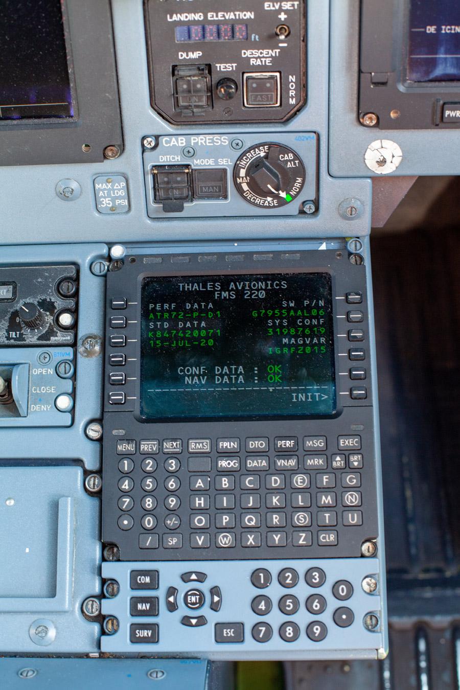 Приборная панель кабины пилотов ATR 72-600