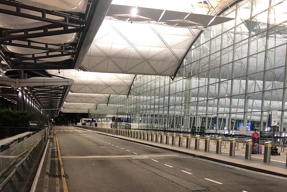 Терминал в аэропорту Гонконга
